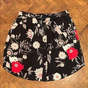 NWOT!{LOFT}Sz M Faux Button Down Floral Skirt